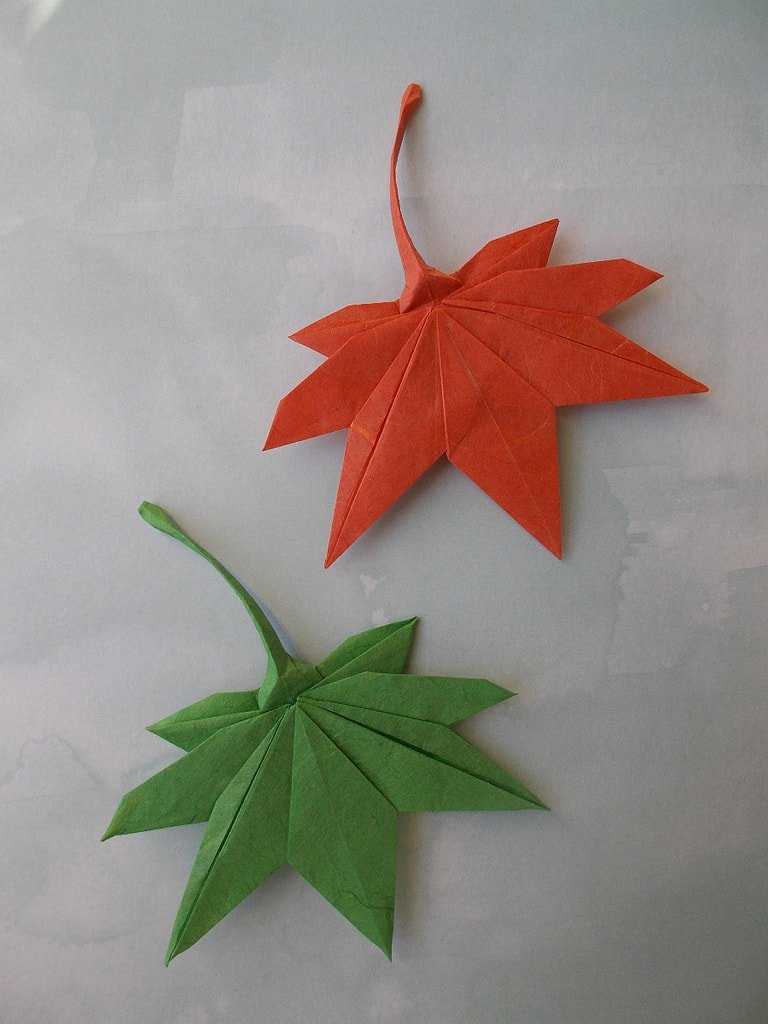 Maple Leaf Origami | Origami patterns, Paper crafts origami ... | 1024x768
