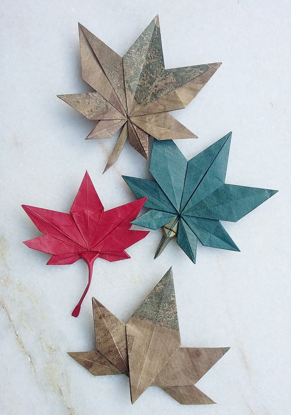 Simple Origami Leaf Instructions - Video Tutorial - Paper Kawaii | 1423x1000