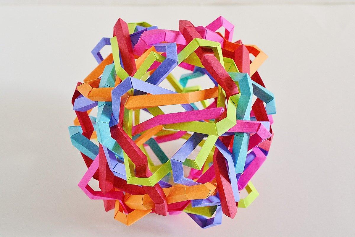 24 Interlocking Wrinkled Tetragons (Byriah Loper)