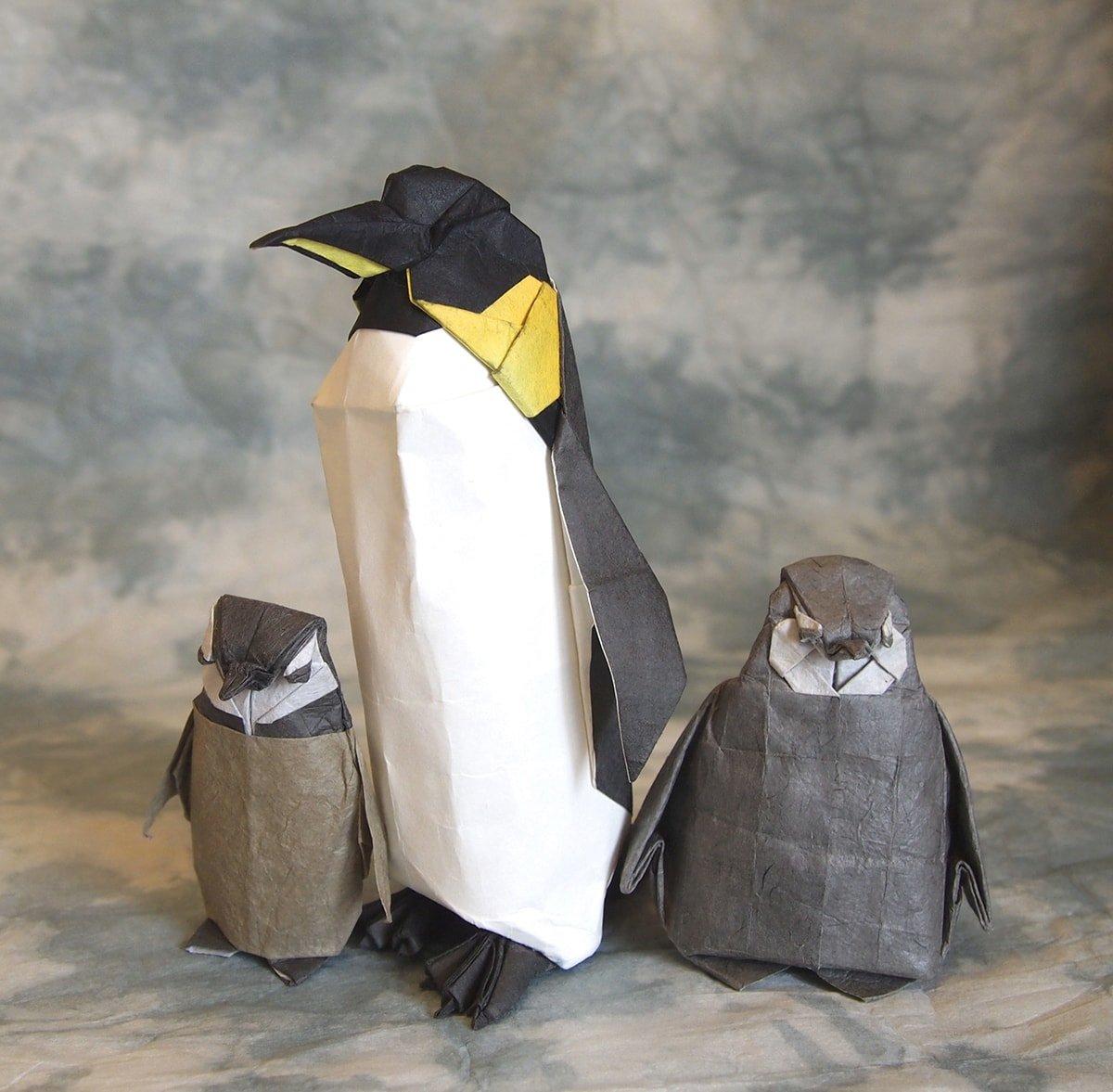 Emperor Penguin Family by Hiroaki Kobayashi