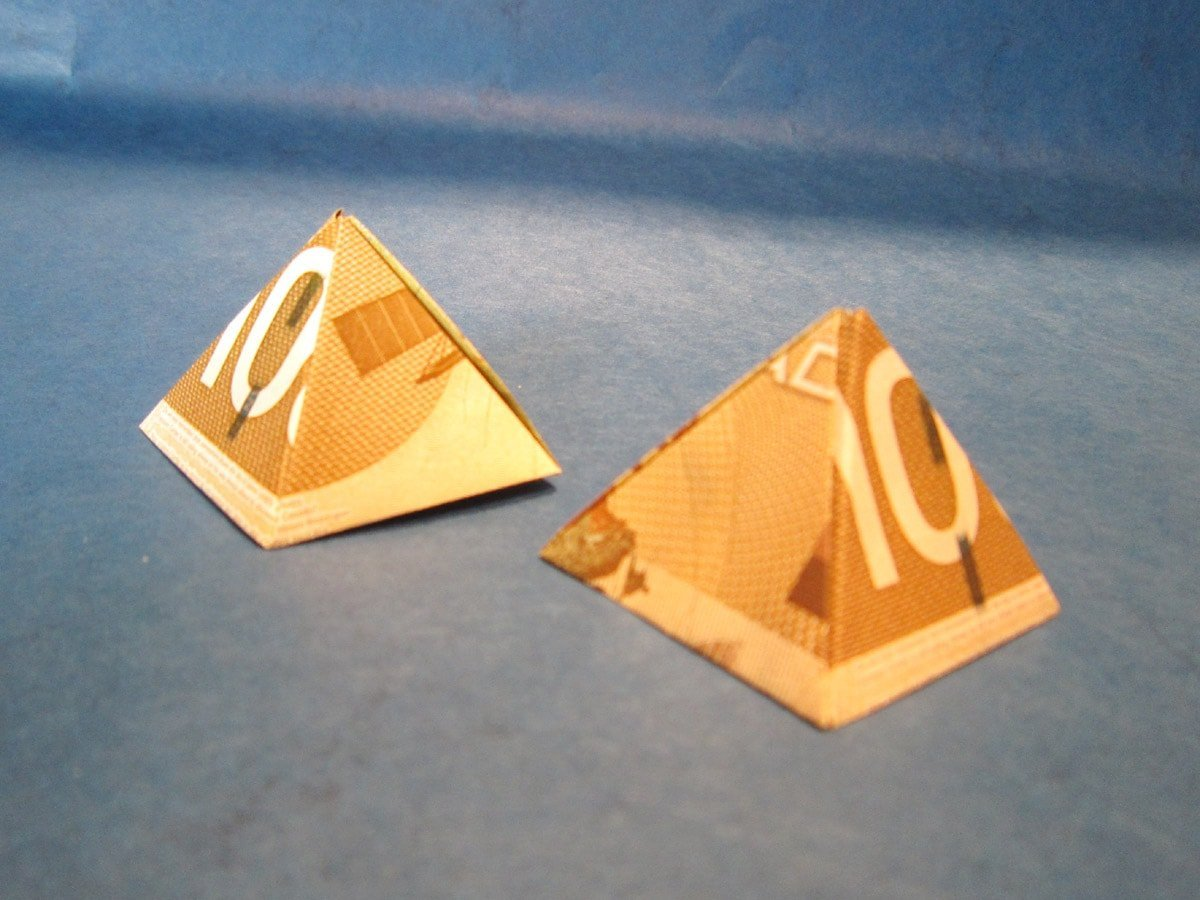 $100 Pyramids