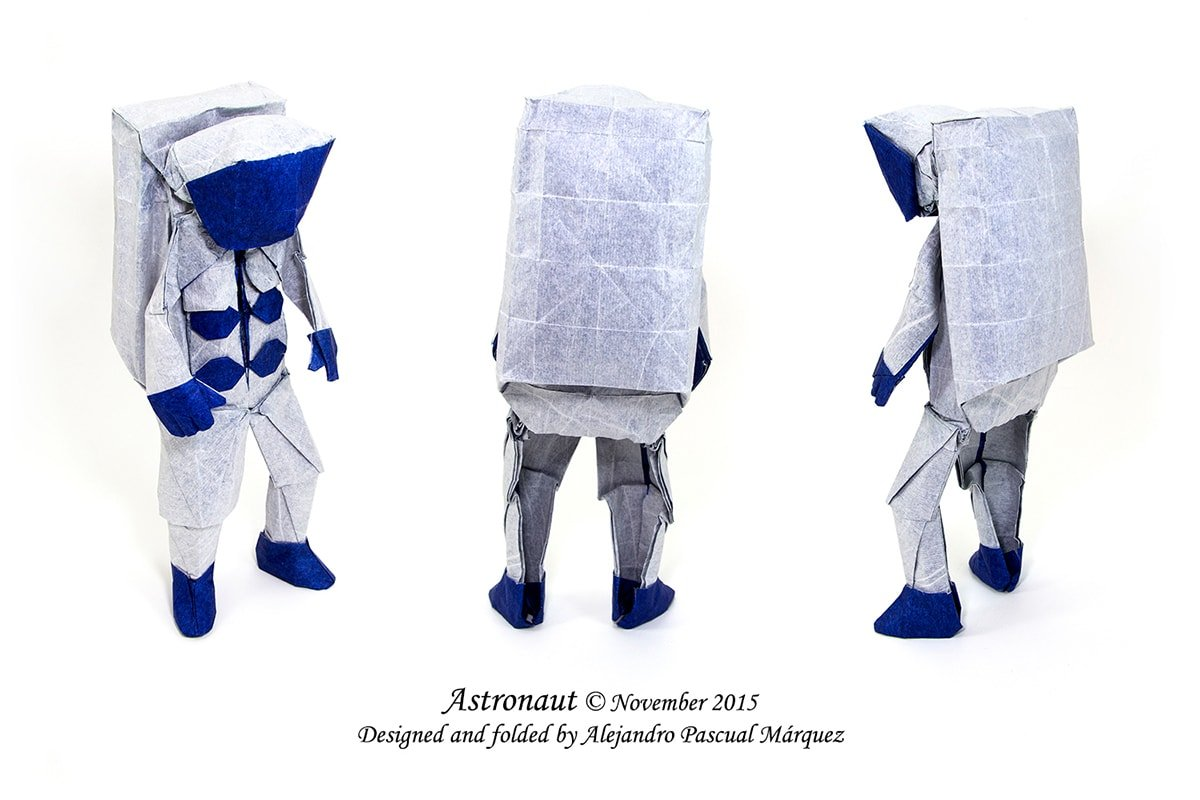 Astronaut by Alejandro Pascual Márquez