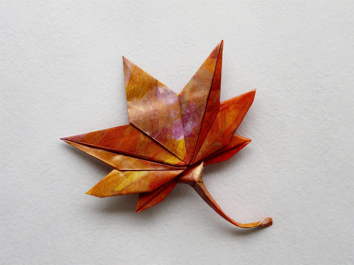 Lets Make Origami: Origami Maple Leaf by Kyu-seok (Jassu) | 900x1200