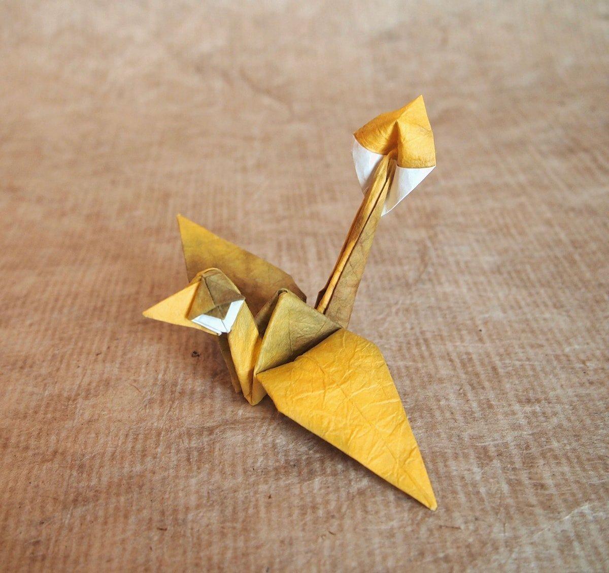 Crane with bad eyes by Hiroaki Kobayashi